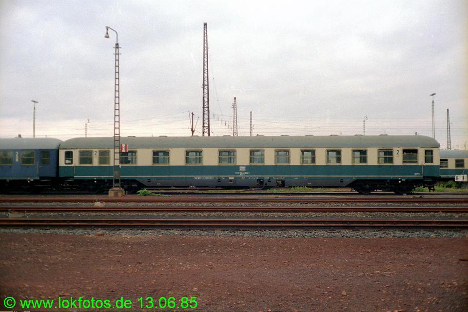 http://www.lokfotos.de/fotos/1985/0613/04654.jpg