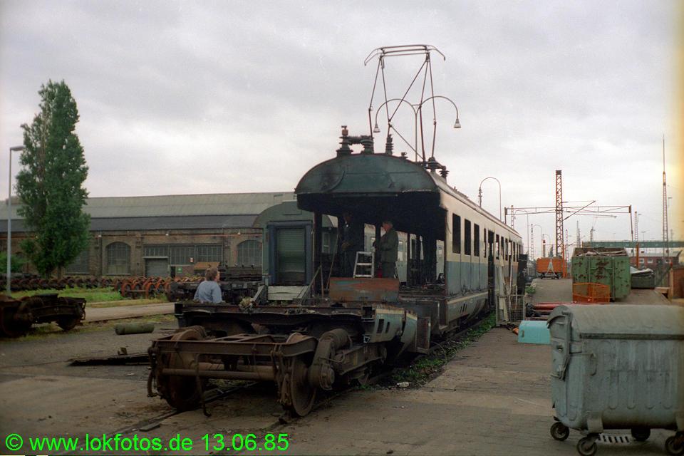 http://www.lokfotos.de/fotos/1985/0613/04658.jpg