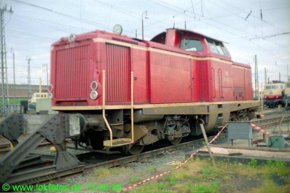 http://www.lokfotos.de/fotos/1985/0613/04663.jpg