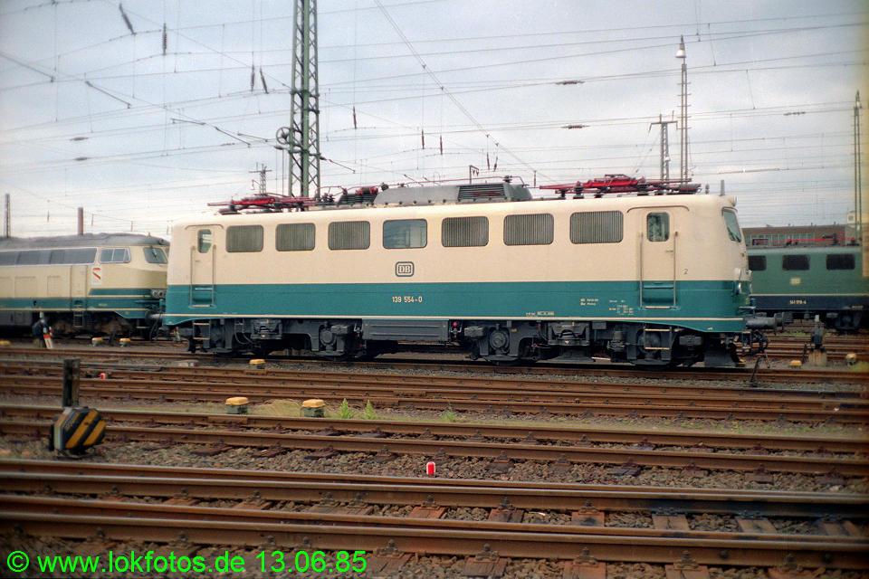 http://www.lokfotos.de/fotos/1985/0613/04666.jpg