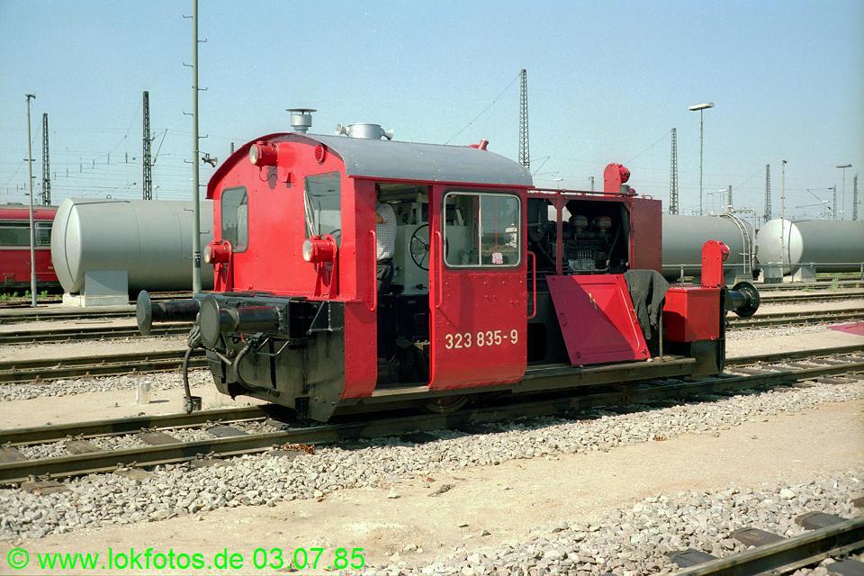 http://www.lokfotos.de/fotos/1985/0703/04681.jpg