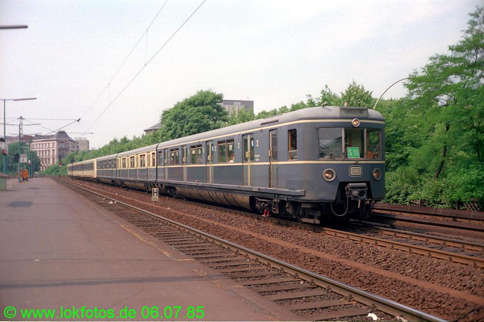 http://www.lokfotos.de/fotos/1985/0706/04749.jpg