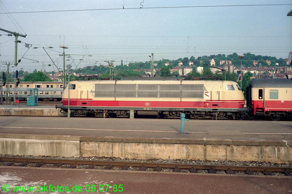 http://www.lokfotos.de/fotos/1985/0709/04819.jpg