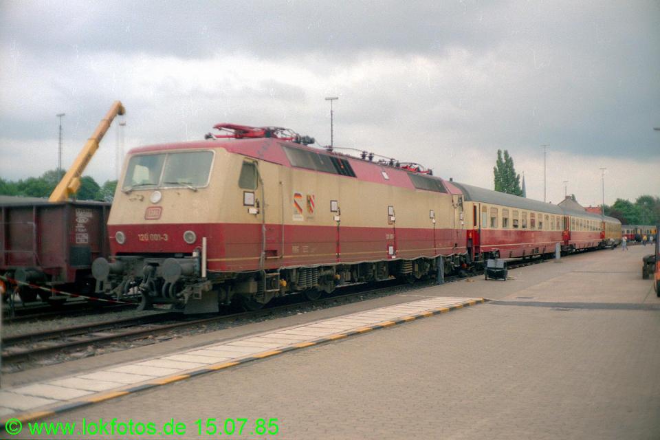 http://www.lokfotos.de/fotos/1985/0715/04972.jpg
