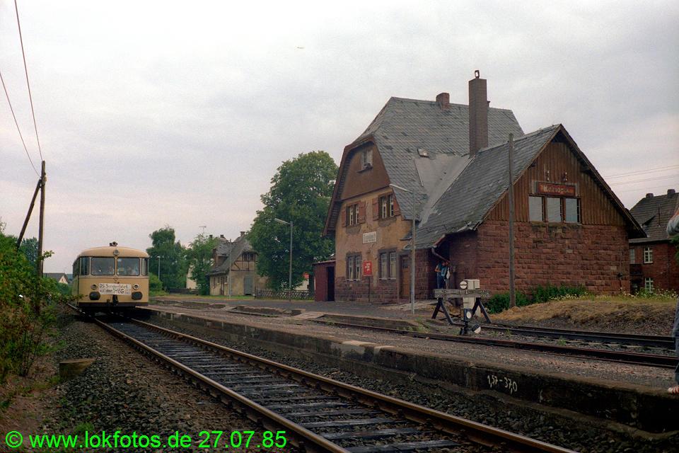 http://www.lokfotos.de/fotos/1985/0727/05233.jpg