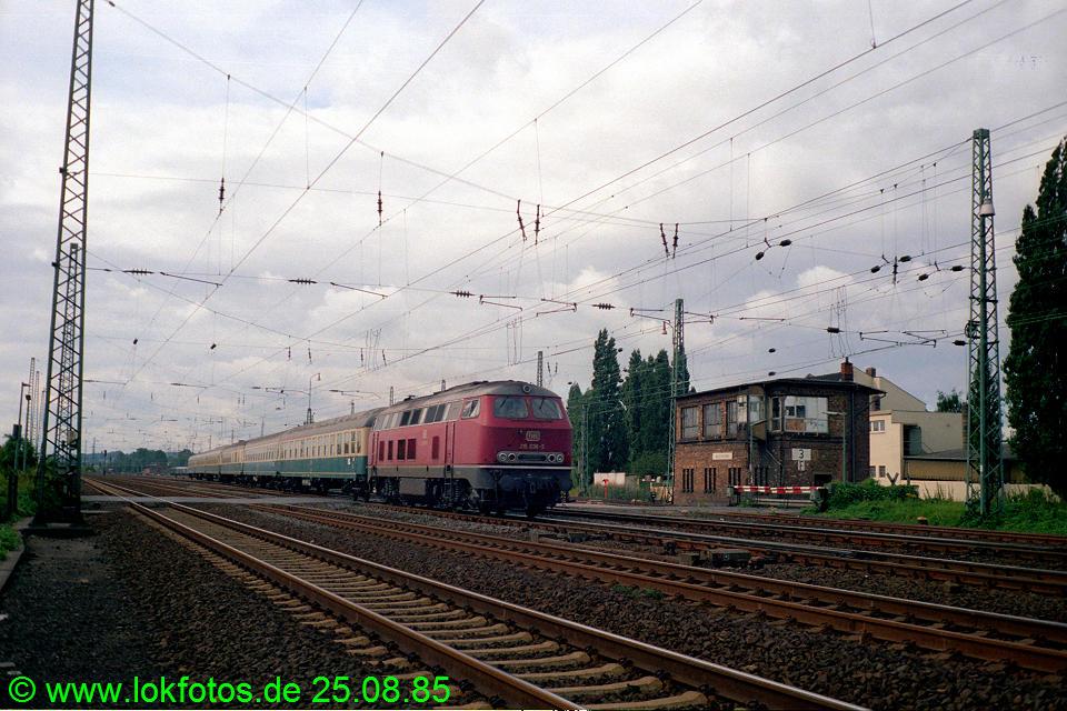 http://www.lokfotos.de/fotos/1985/0825/05591.jpg