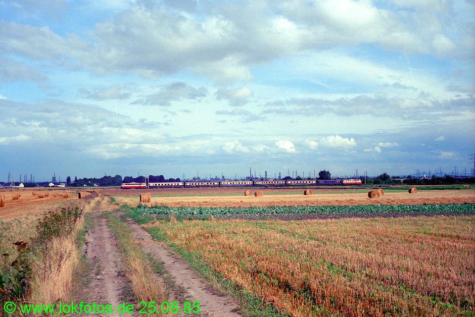 http://www.lokfotos.de/fotos/1985/0825/05609.jpg