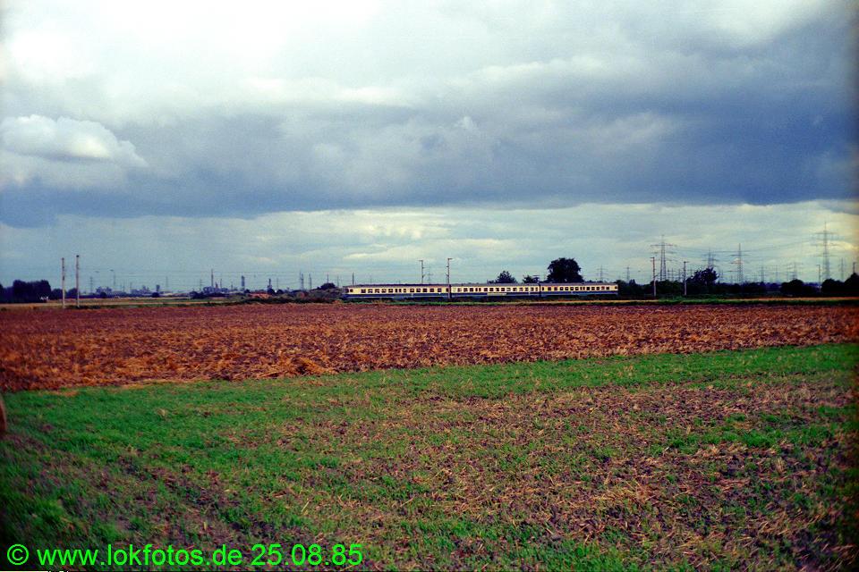 http://www.lokfotos.de/fotos/1985/0825/05614.jpg