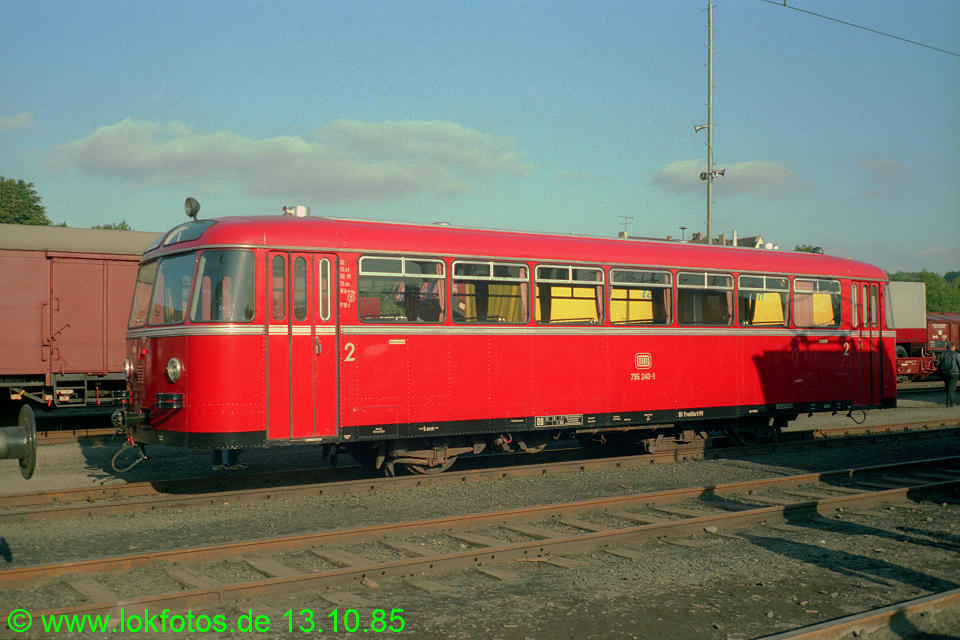 http://www.lokfotos.de/fotos/1985/1013/05721.jpg
