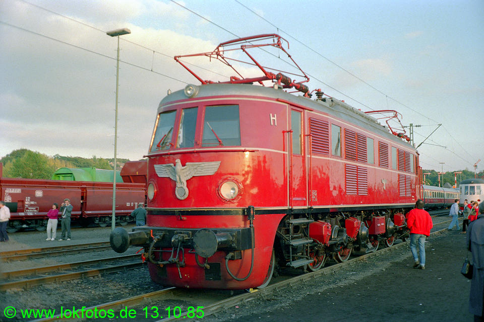 http://www.lokfotos.de/fotos/1985/1013/05780.jpg
