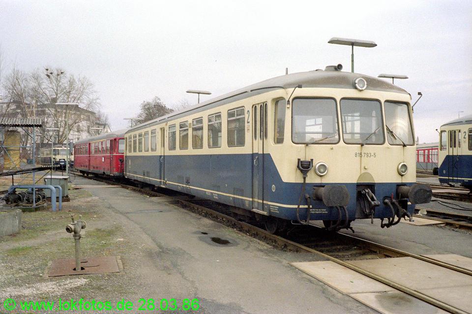 http://www.lokfotos.de/fotos/1986/0328/05921.jpg