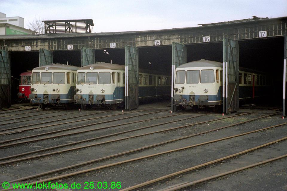 http://www.lokfotos.de/fotos/1986/0328/05926.jpg