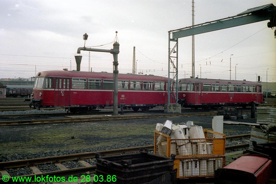 http://www.lokfotos.de/fotos/1986/0328/05931.jpg