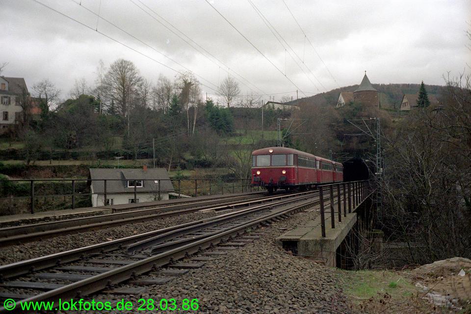 http://www.lokfotos.de/fotos/1986/0328/05960.jpg