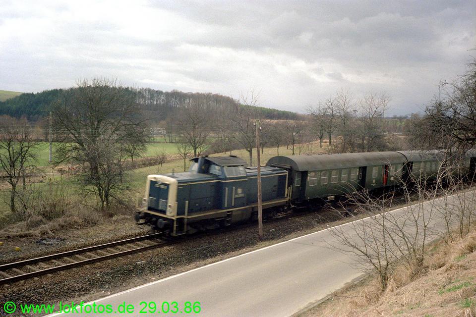 http://www.lokfotos.de/fotos/1986/0329/06004.jpg