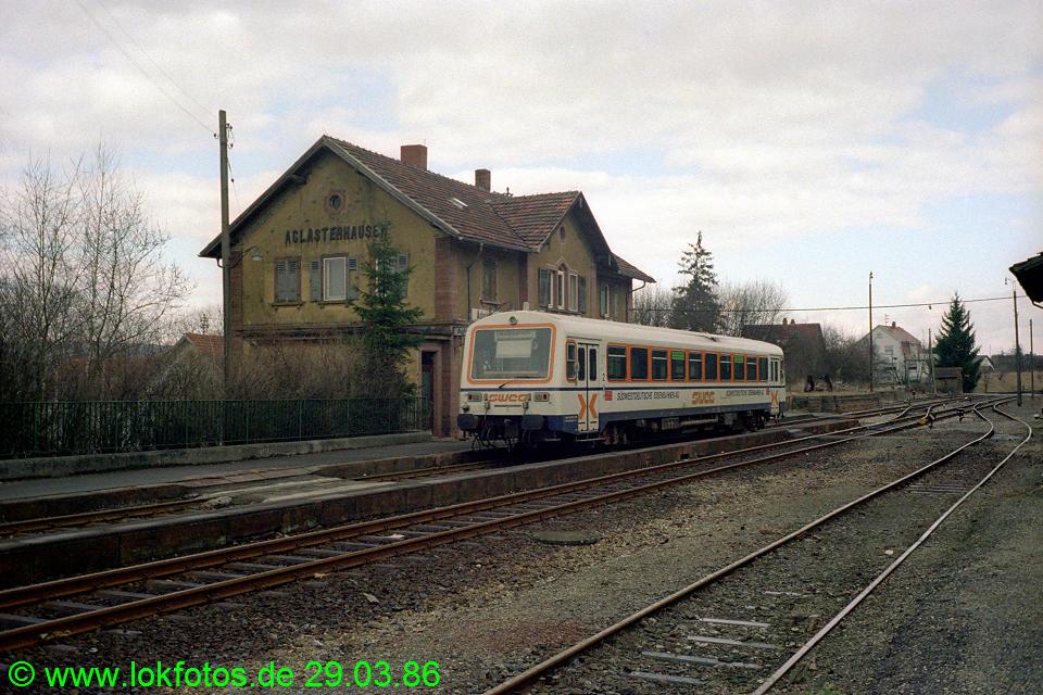 http://www.lokfotos.de/fotos/1986/0329/06008.jpg