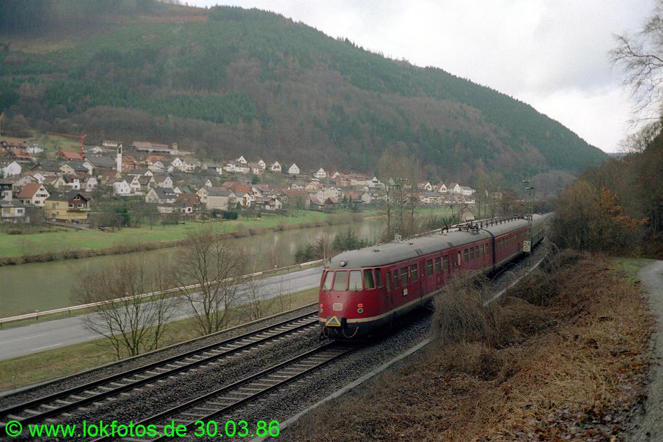 http://www.lokfotos.de/fotos/1986/0330/06020.jpg
