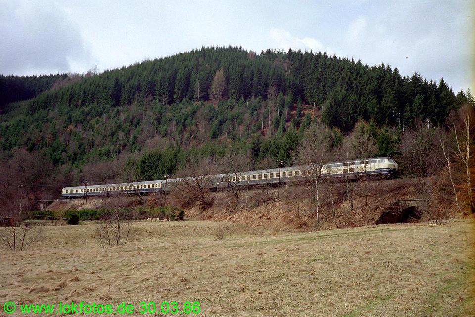 http://www.lokfotos.de/fotos/1986/0330/06021.jpg