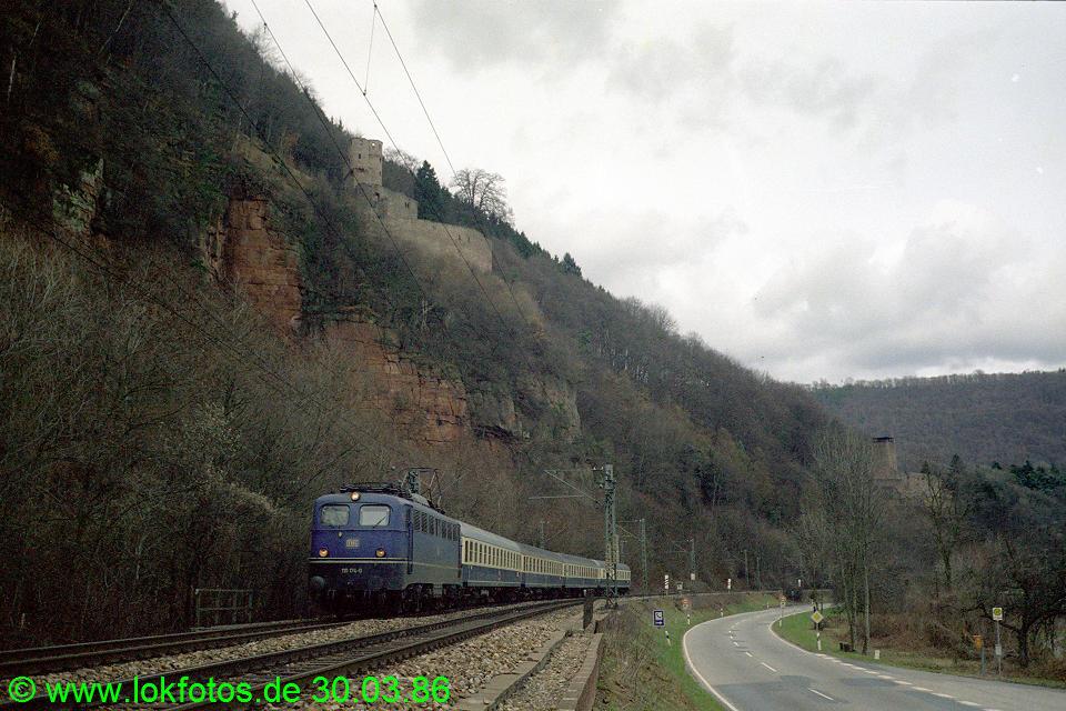 http://www.lokfotos.de/fotos/1986/0330/06023.jpg