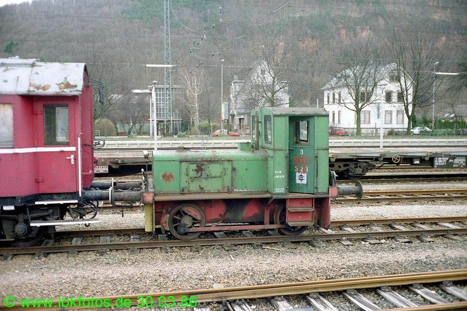 http://www.lokfotos.de/fotos/1986/0330/06025.jpg