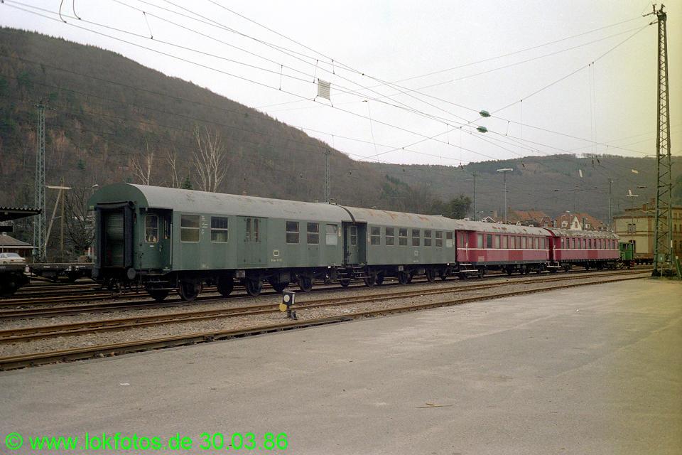 http://www.lokfotos.de/fotos/1986/0330/06027.jpg