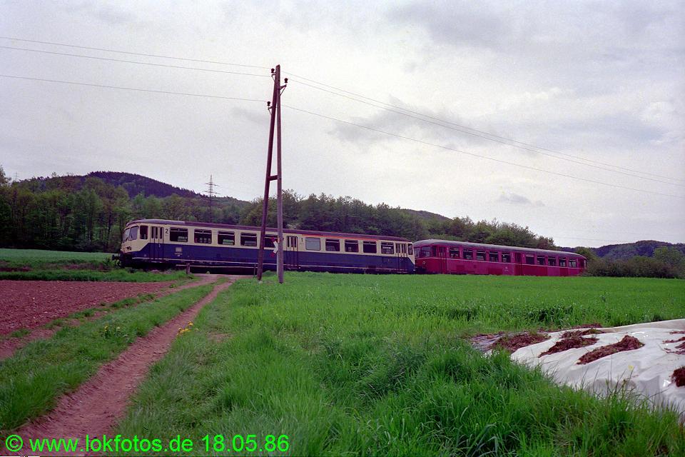 http://www.lokfotos.de/fotos/1986/0518/06050.jpg