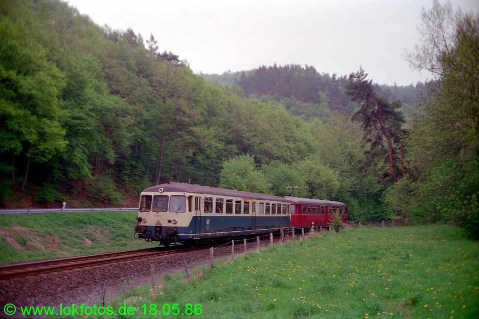 http://www.lokfotos.de/fotos/1986/0518/06051.jpg