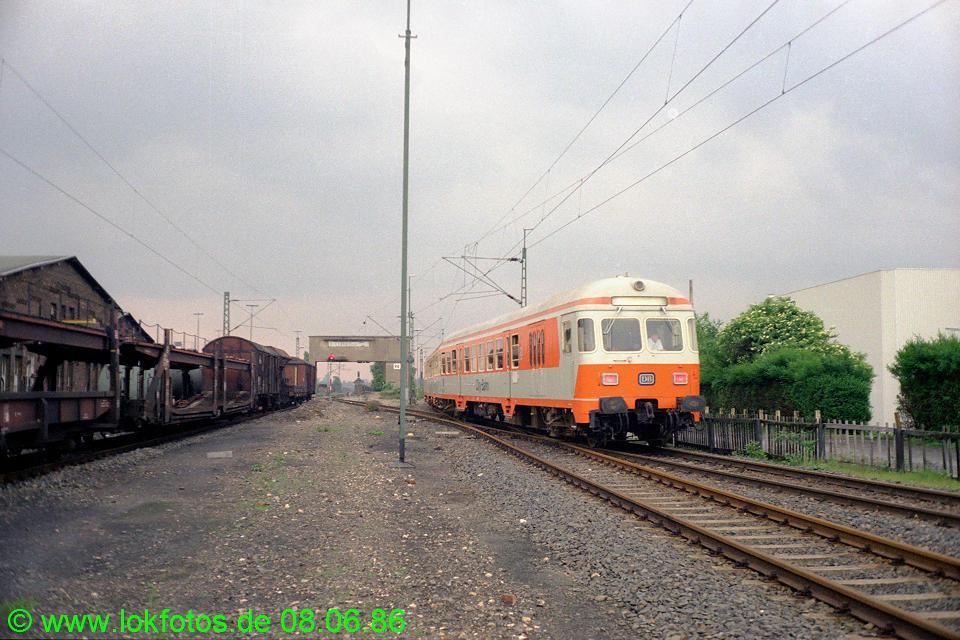 http://www.lokfotos.de/fotos/1986/0608/06088.jpg
