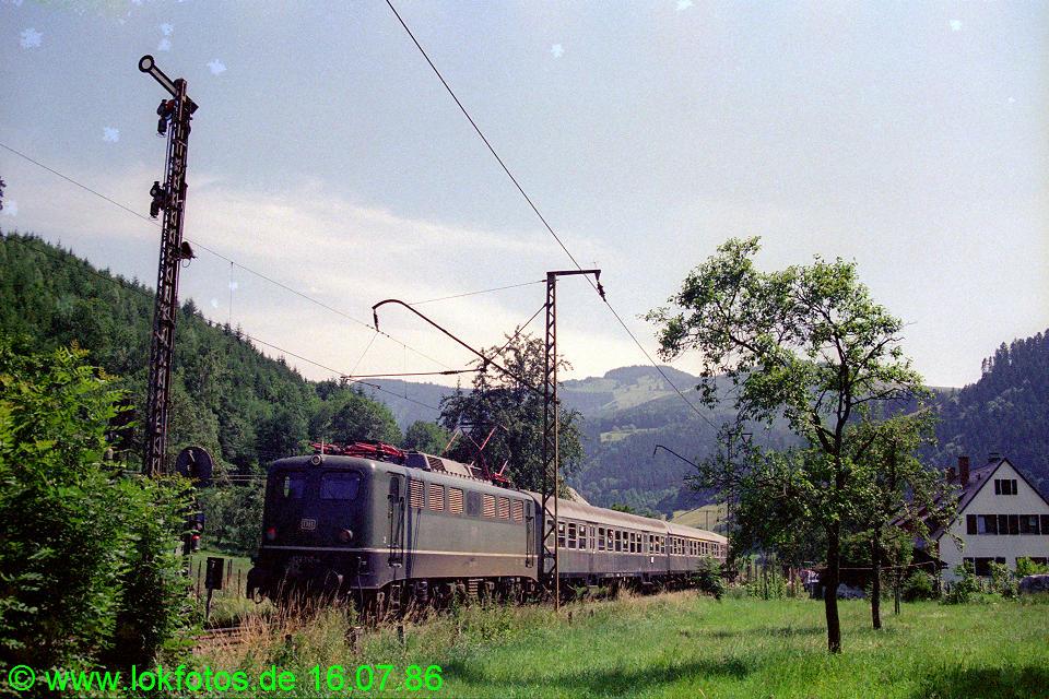http://www.lokfotos.de/fotos/1986/0716/06168.jpg