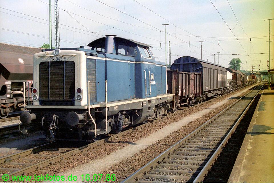 http://www.lokfotos.de/fotos/1986/0716/06171.jpg