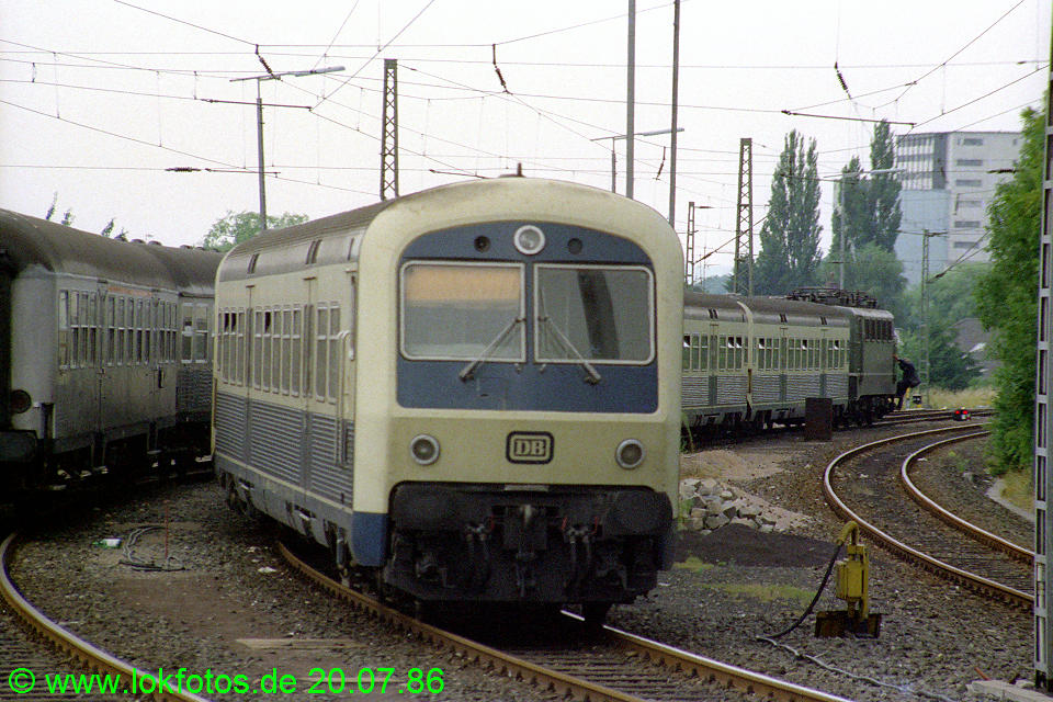 http://www.lokfotos.de/fotos/1986/0720/06189.jpg