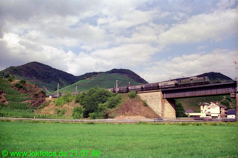 http://www.lokfotos.de/fotos/1986/0721/06211.jpg