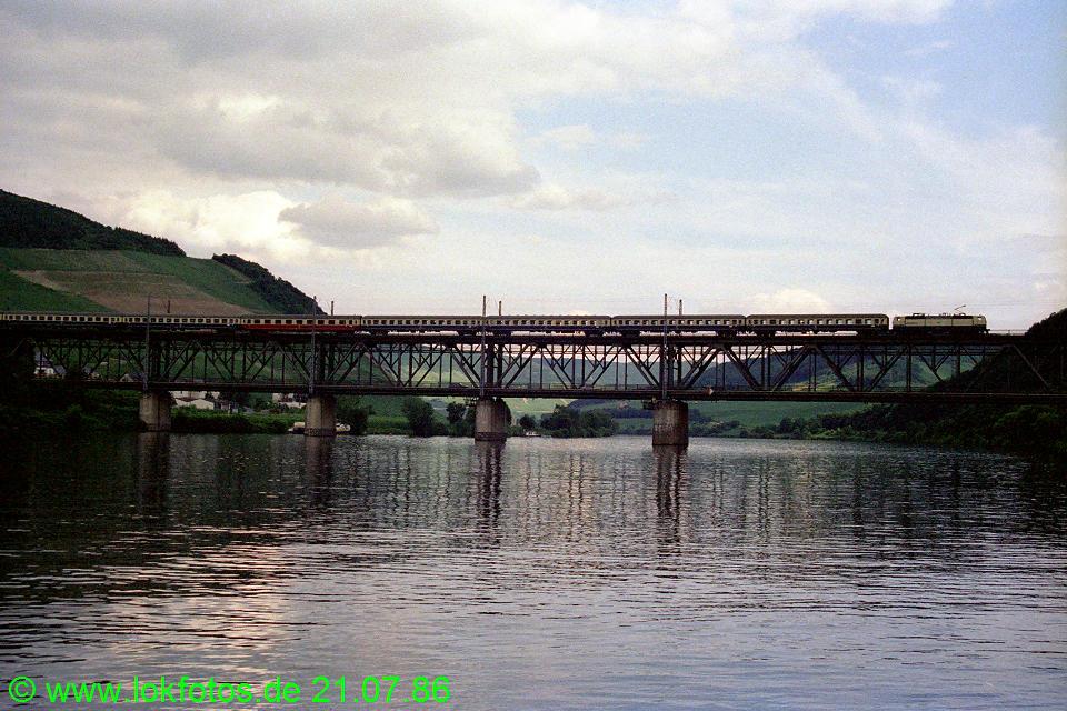 http://www.lokfotos.de/fotos/1986/0721/06216.jpg