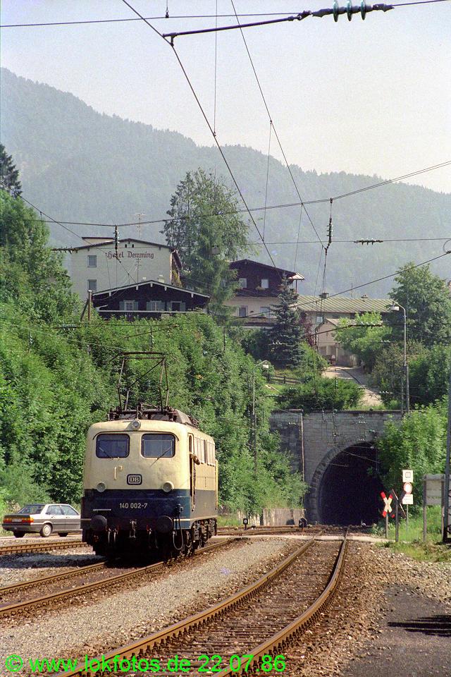 http://www.lokfotos.de/fotos/1986/0722/06229.jpg