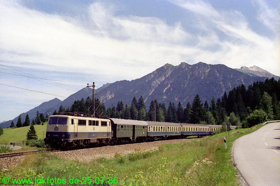 http://www.lokfotos.de/fotos/1986/0725/06290.jpg