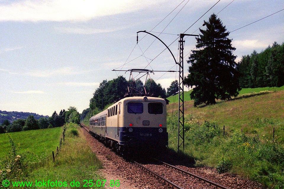http://www.lokfotos.de/fotos/1986/0725/06299.jpg
