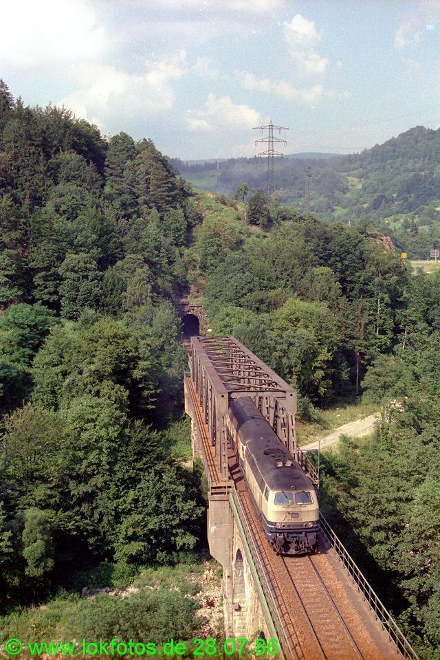 http://www.lokfotos.de/fotos/1986/0728/06332.jpg