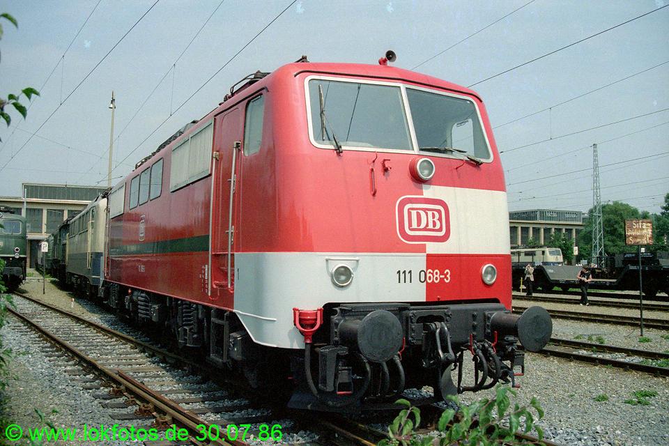 http://www.lokfotos.de/fotos/1986/0730/06381.jpg