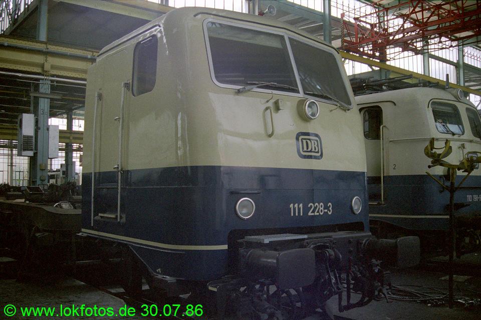http://www.lokfotos.de/fotos/1986/0730/06387.jpg