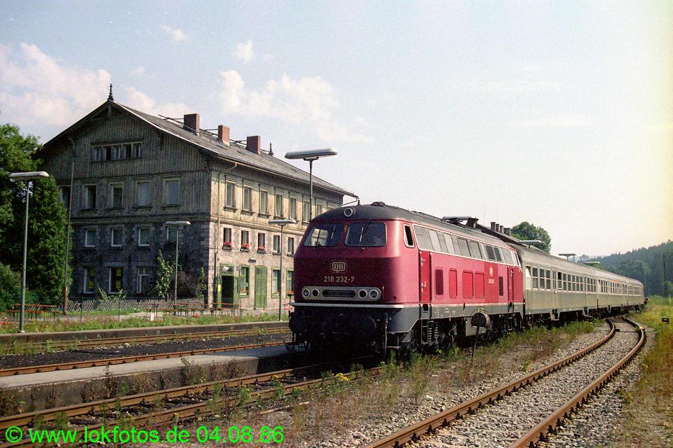 http://www.lokfotos.de/fotos/1986/0804/06476.jpg