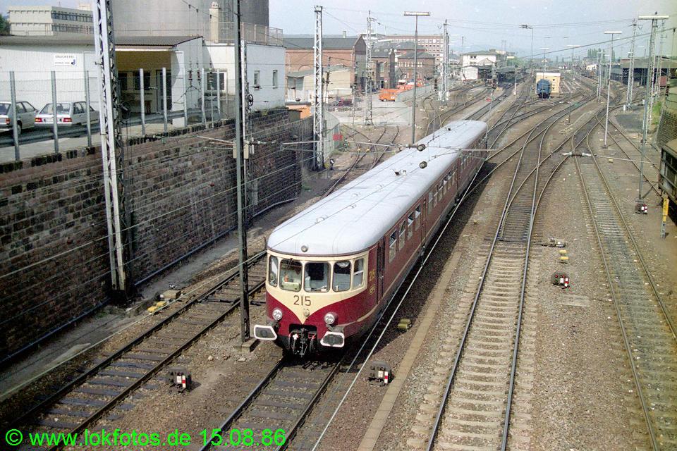 http://www.lokfotos.de/fotos/1986/0815/06847.jpg
