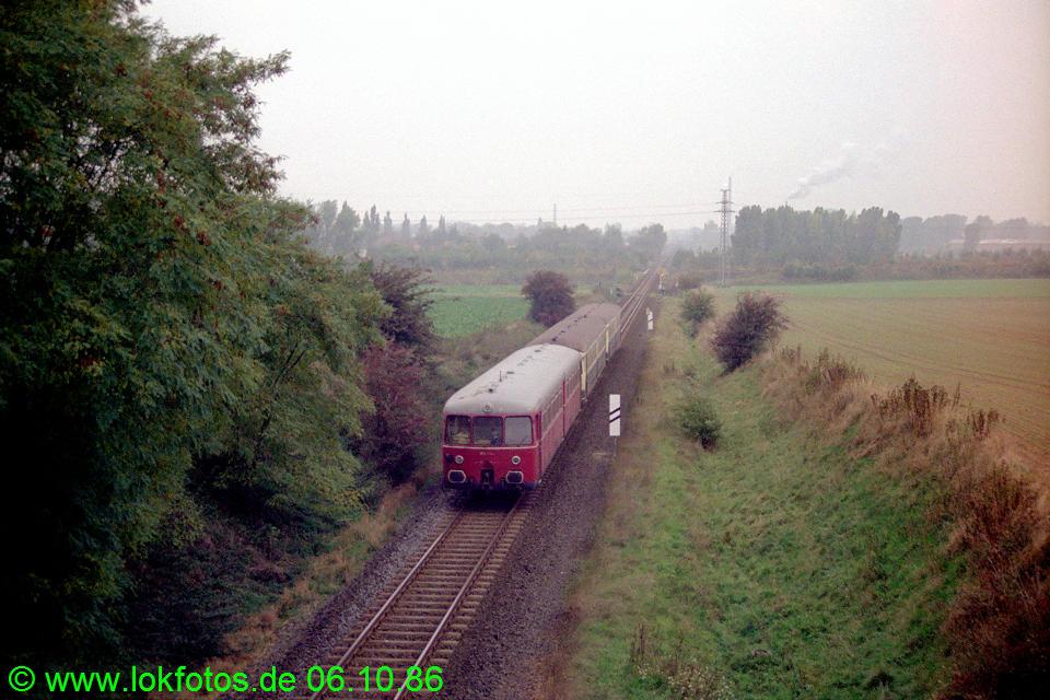 http://www.lokfotos.de/fotos/1986/1006/06948.jpg