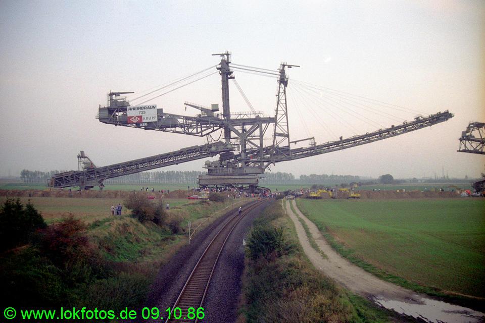 http://www.lokfotos.de/fotos/1986/1009/06966.jpg