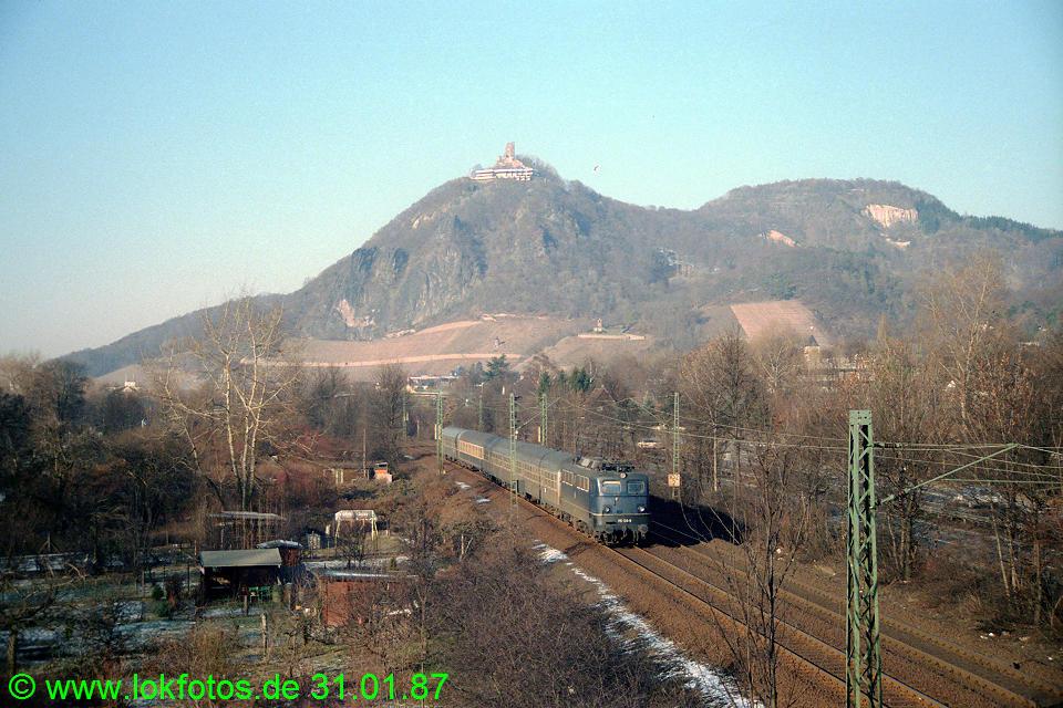 http://www.lokfotos.de/fotos/1987/0131/07130.jpg