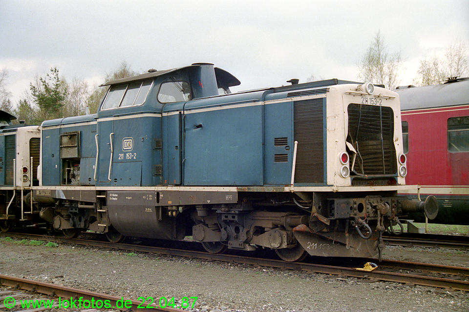 http://www.lokfotos.de/fotos/1987/0422/07290.jpg