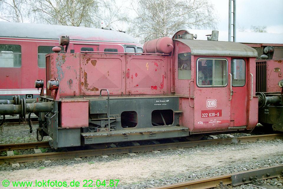 http://www.lokfotos.de/fotos/1987/0422/07299.jpg