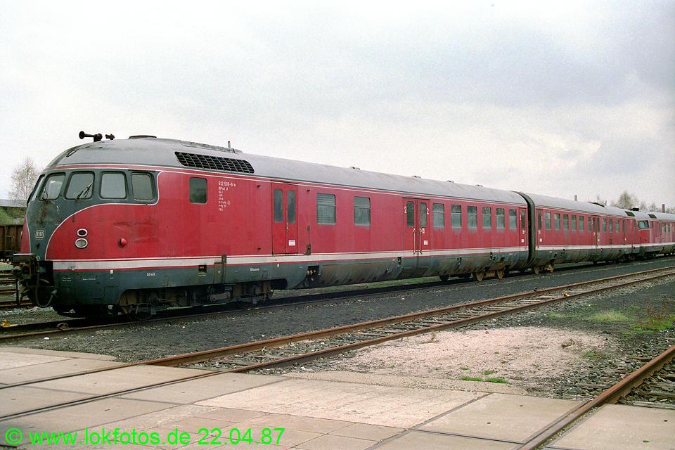 http://www.lokfotos.de/fotos/1987/0422/07310.jpg