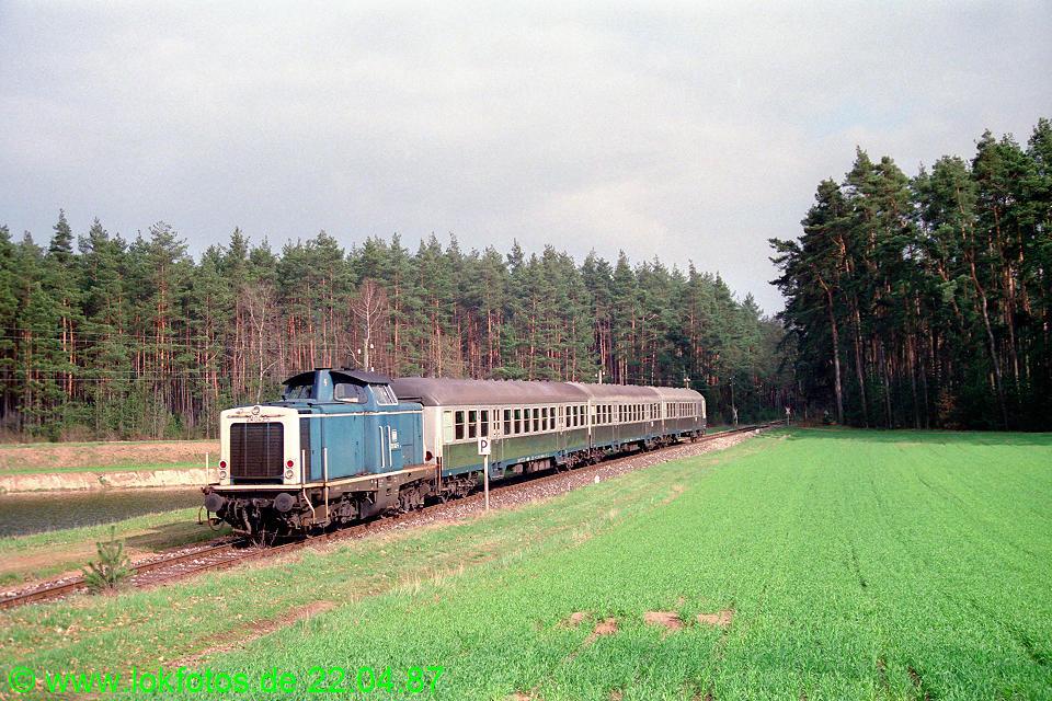 http://www.lokfotos.de/fotos/1987/0422/07332.jpg