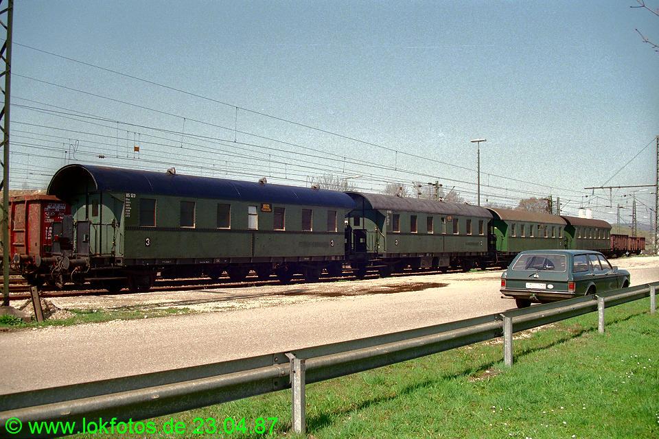 http://www.lokfotos.de/fotos/1987/0423/07359.jpg