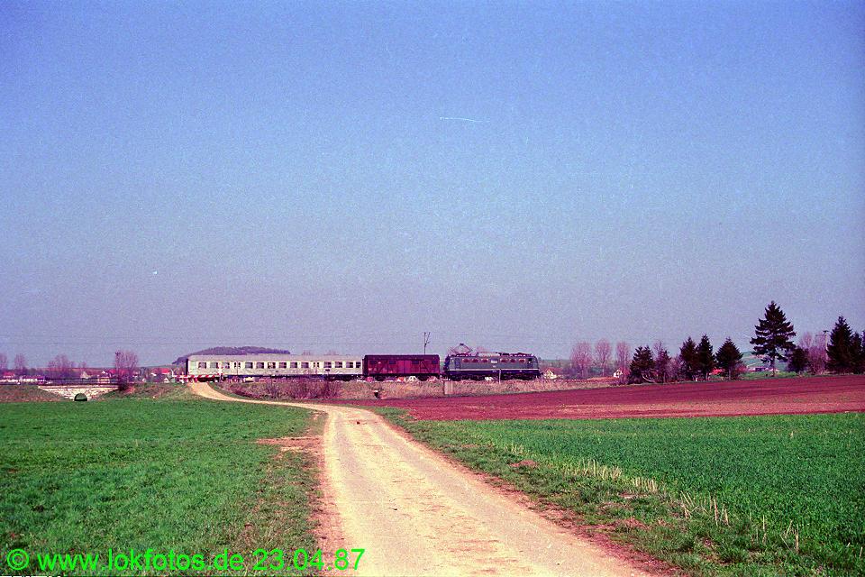 http://www.lokfotos.de/fotos/1987/0423/07380.jpg